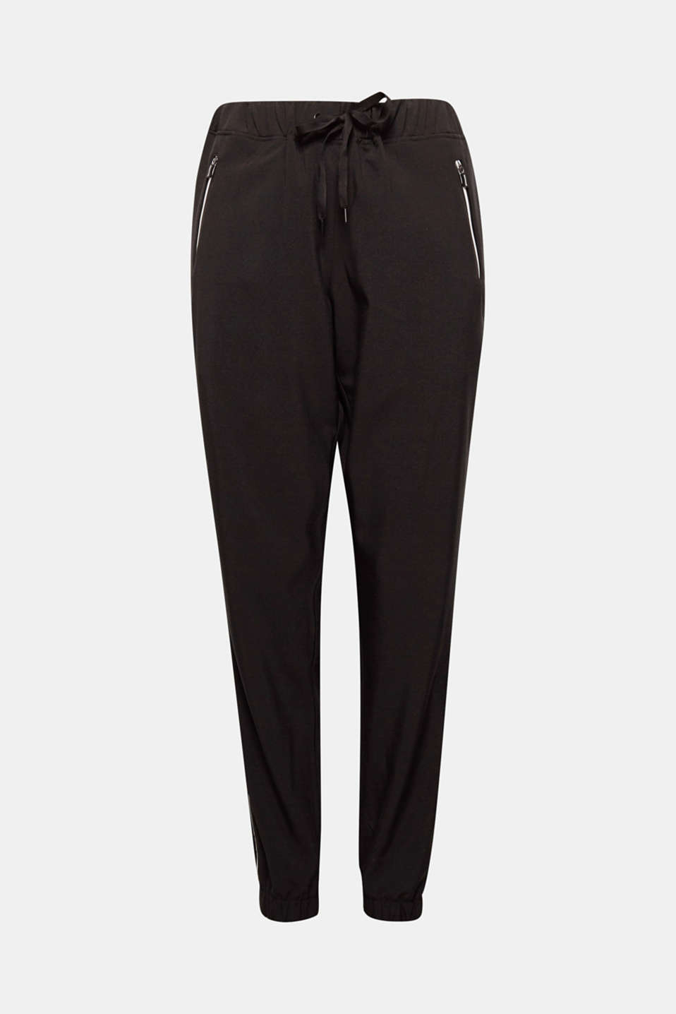 These casual woven trousers make your look super relaxed with E-DRY technology and reflective piping!