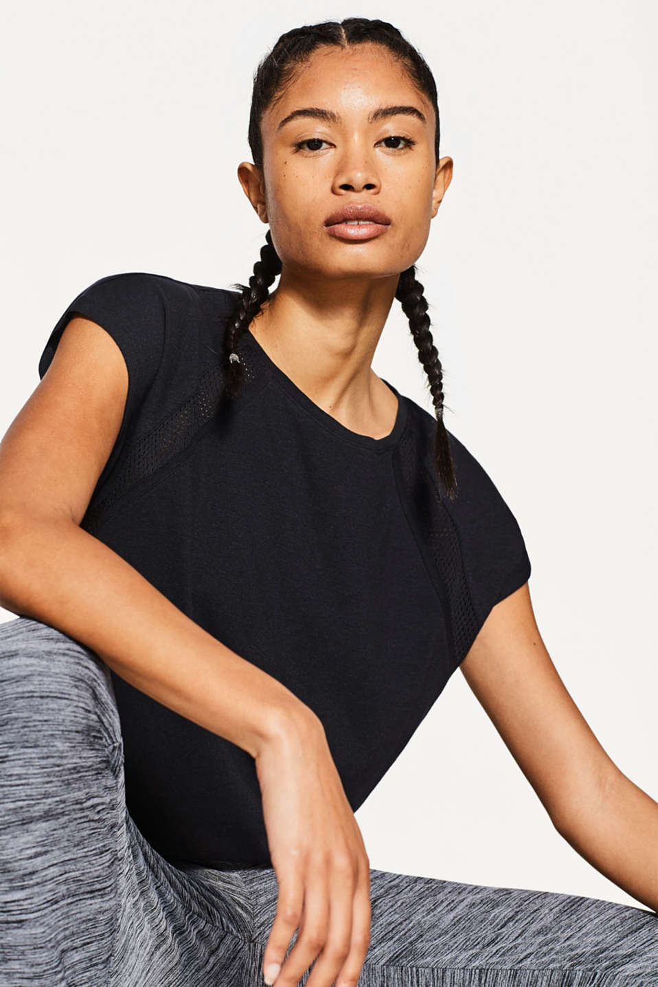 Esprit - T-shirt with mesh, stretch cotton