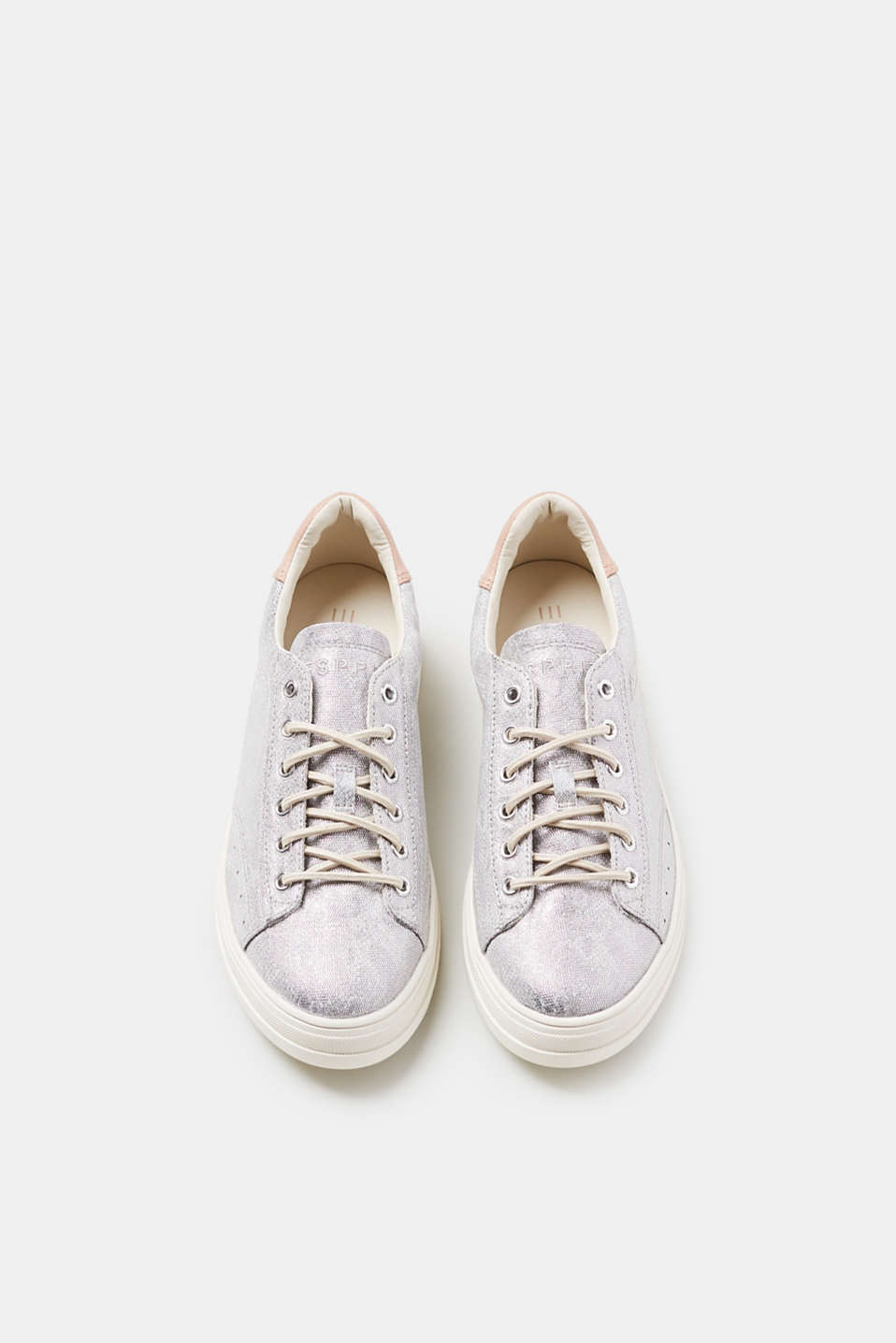 Trendy trainers in a cool metallic finish