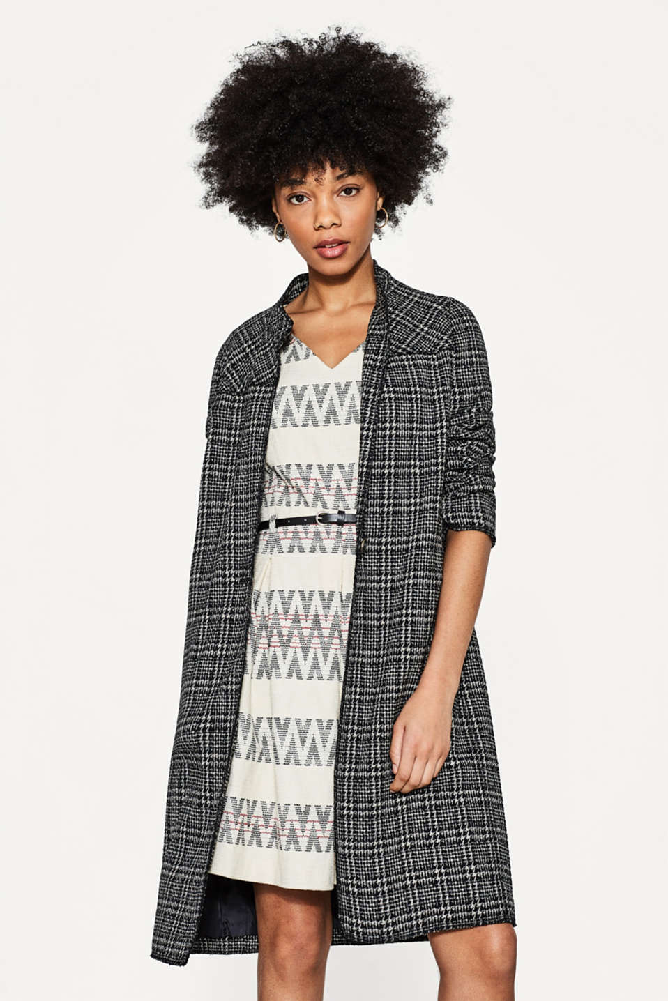 Jacquard dress with a zigzag pattern