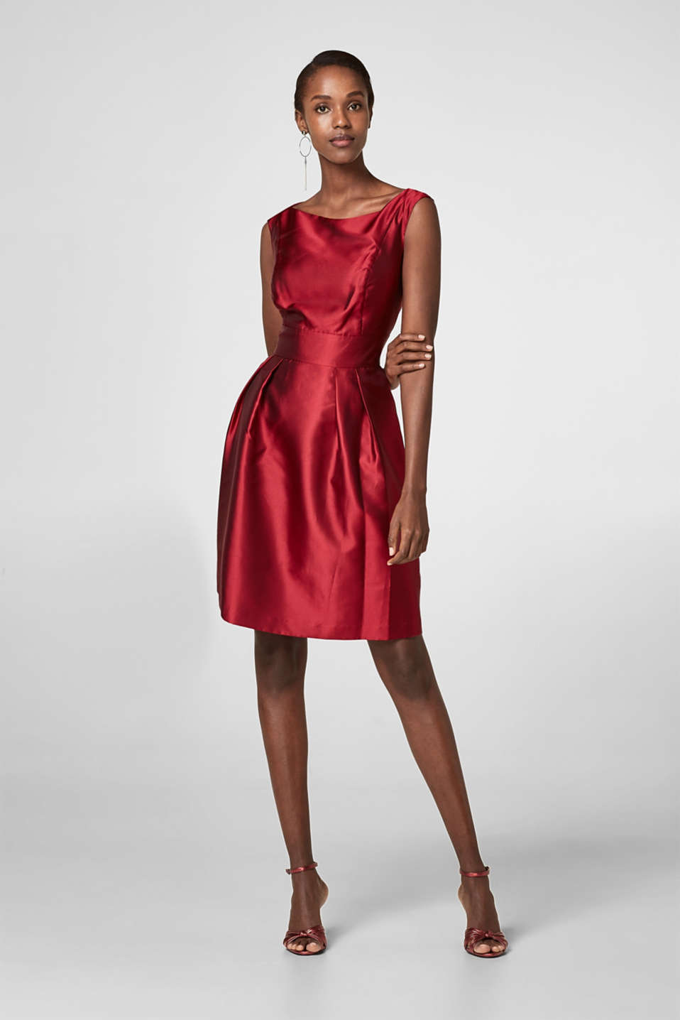 Esprit - Party dress with a silky shimmer