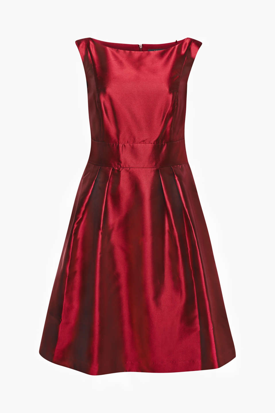 Stunning! We cannot describe this party dress with a swinging skirt and a distinctive red in any other way.