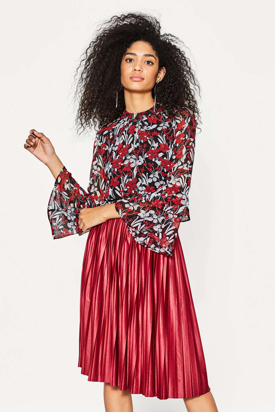 Esprit - Flowing blouse with a floral print