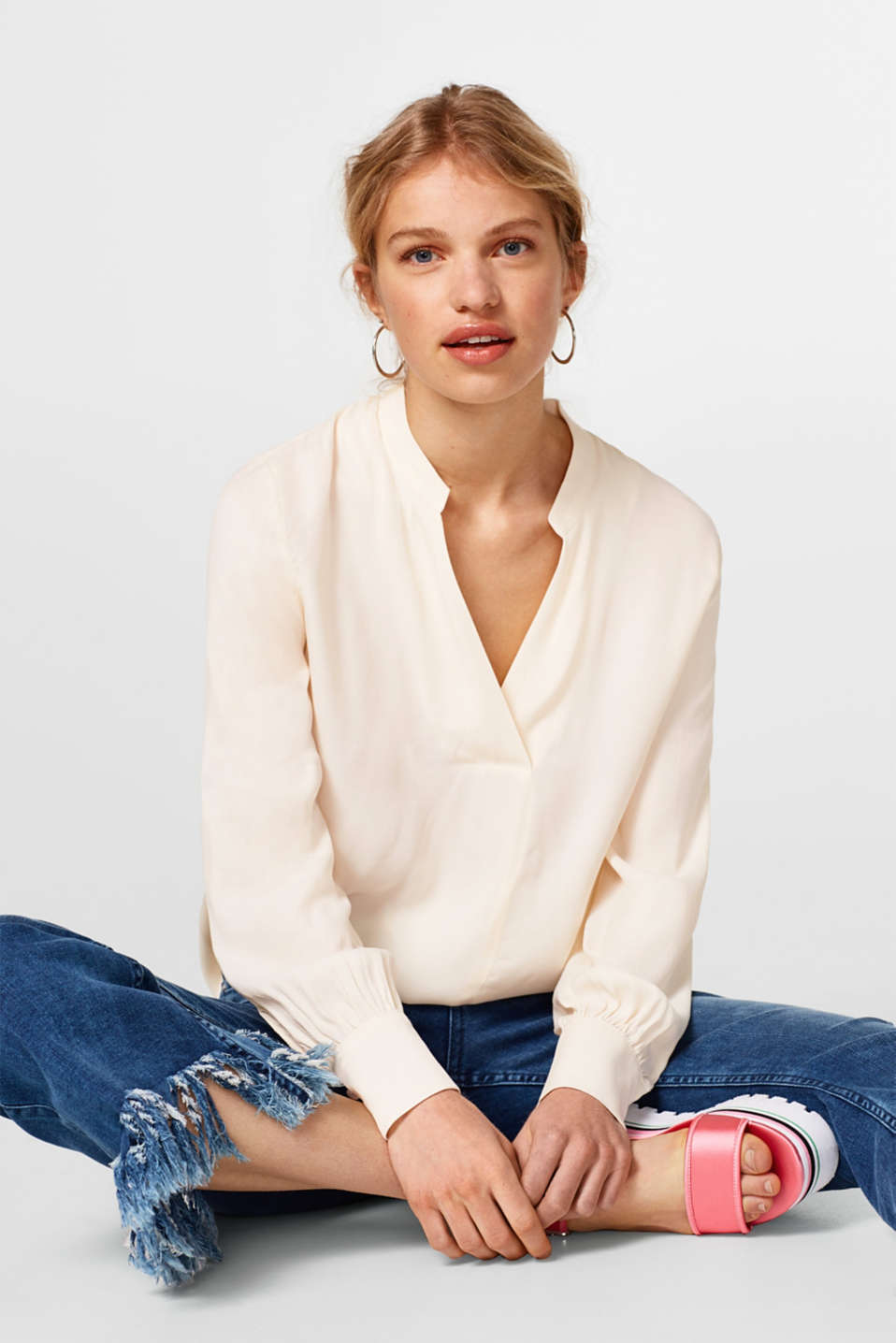 Esprit - Dainty blouse with a fine, striped texture