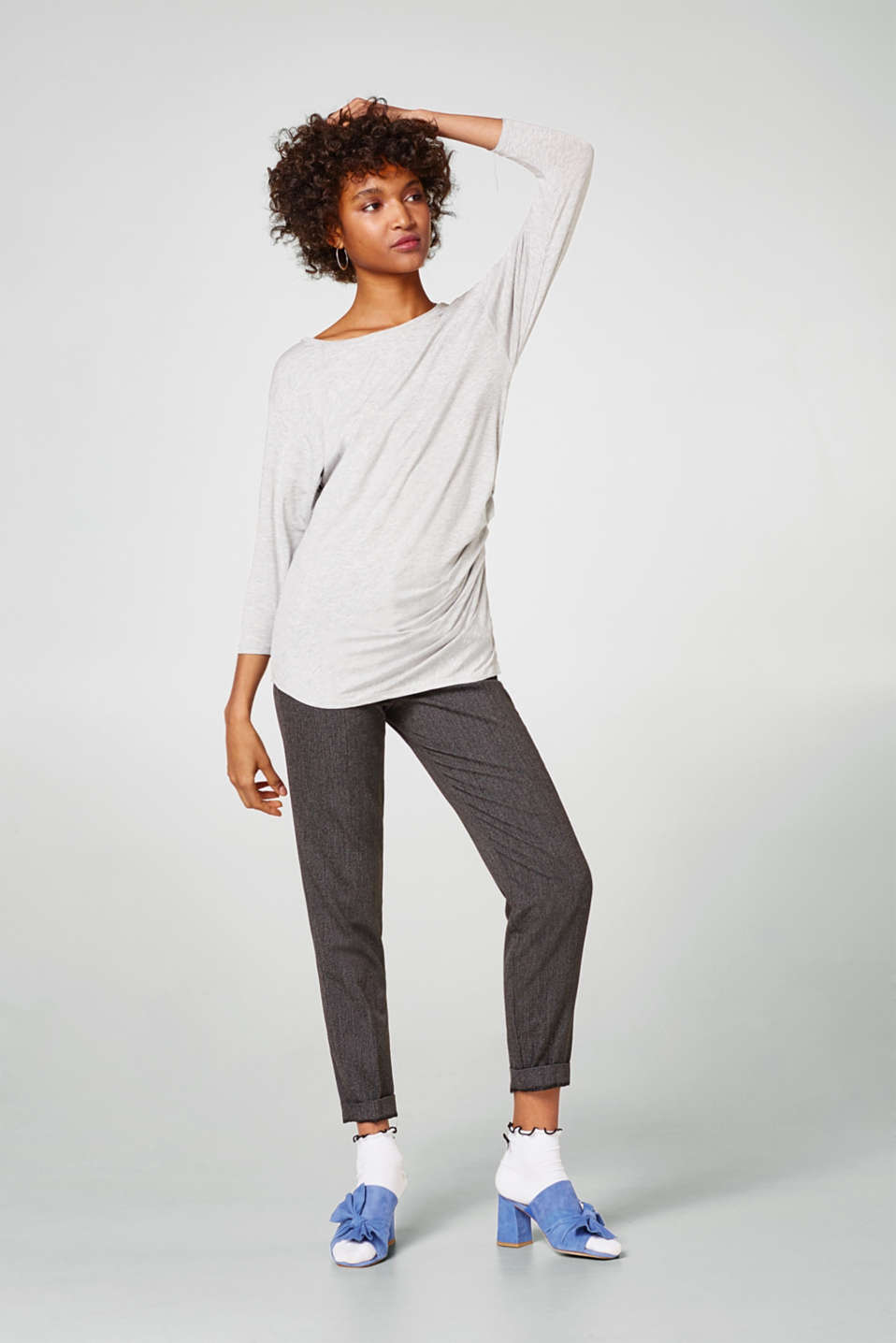 Long sleeve top with feminine gathering