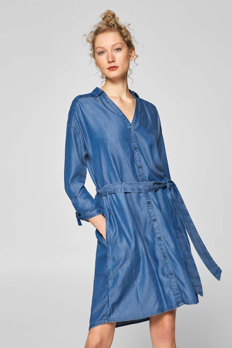 edc - Denim dress in lyocell in a shirt blouse style