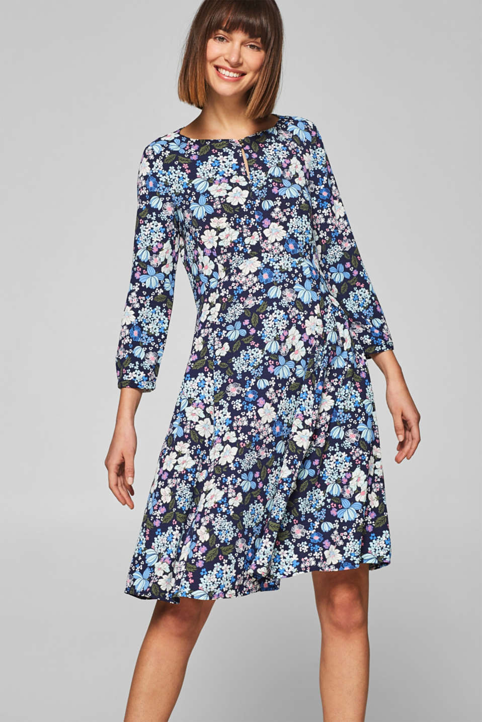 edc - Textured dress with a floral print