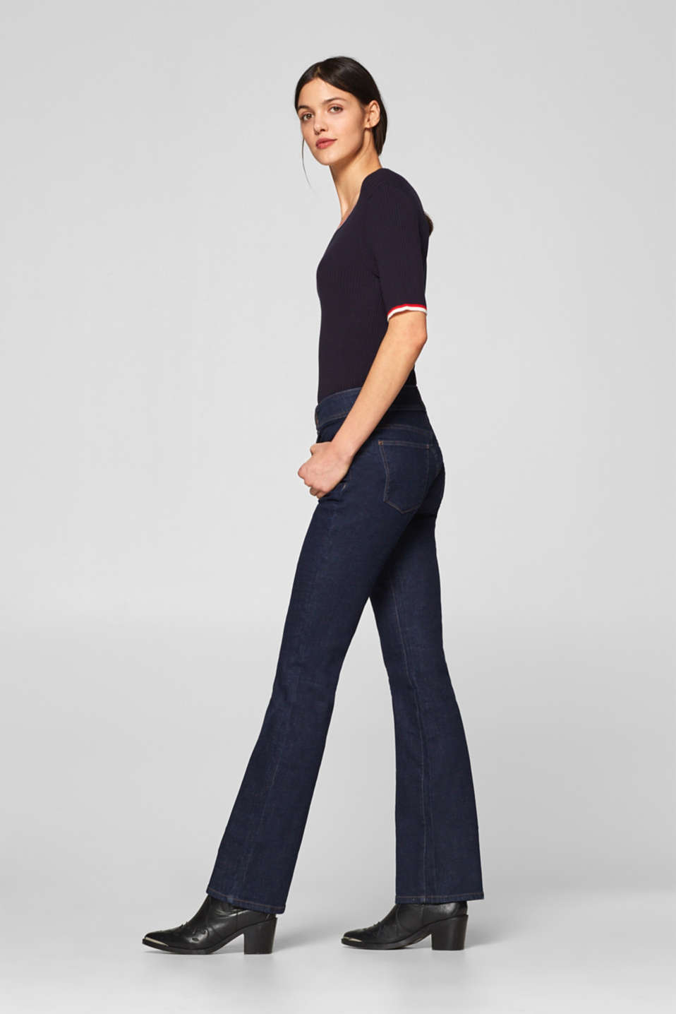Esprit - Stretch-Jeans aus Dark Denim mit Bootcut