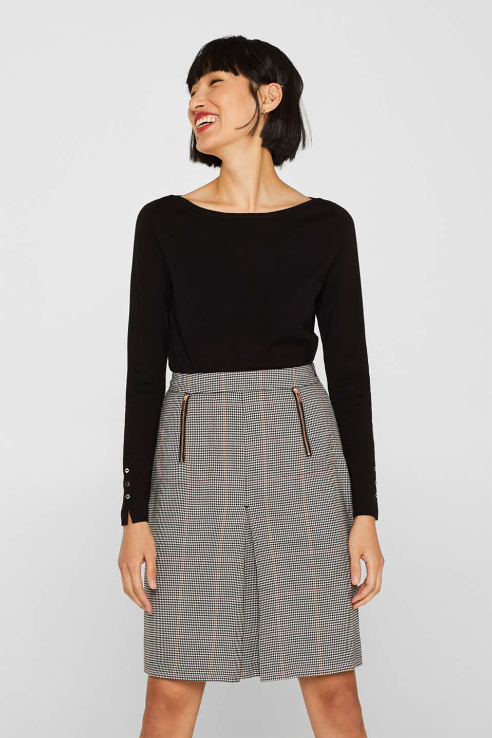 Esprit - Checked skirt with zip pockets and an inverted pleat
