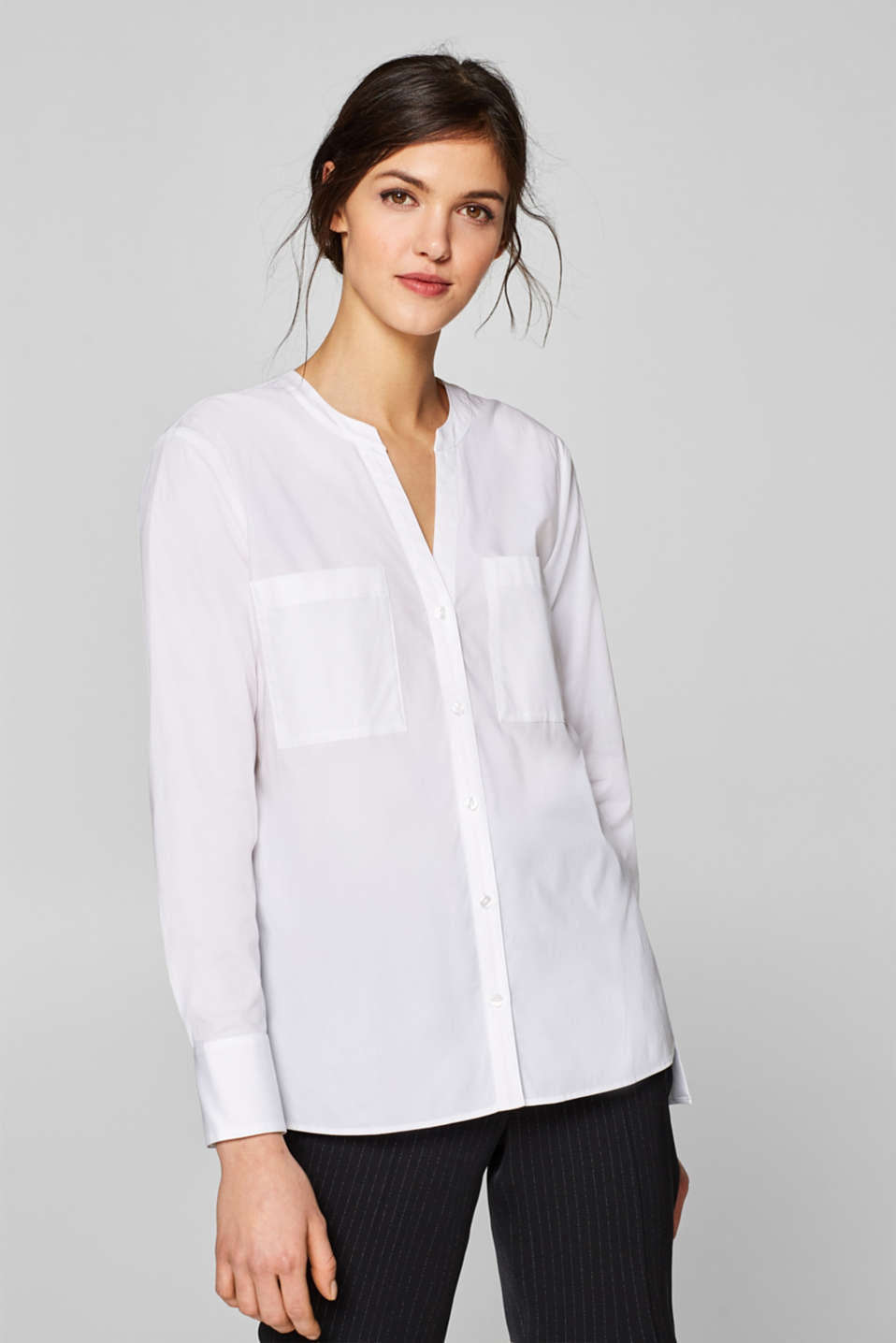 Esprit - Stretchbluse med knappet high-low-kant