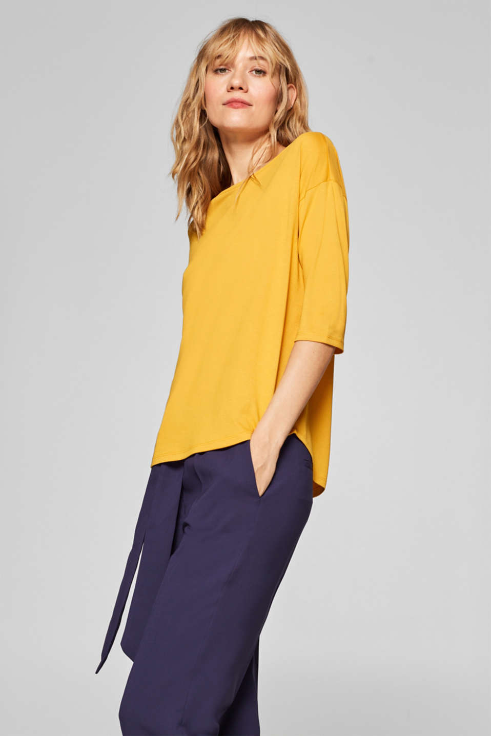 Esprit - Top with fashionable three-quarter length sleeves