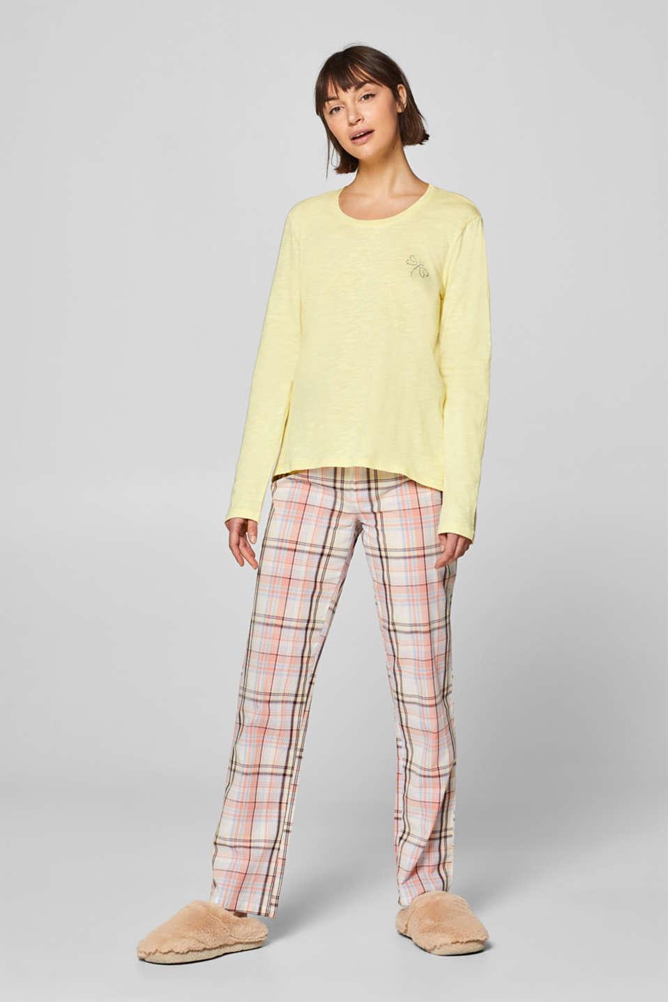 Pyjamas in a lightweight mix of materials, 100% cotton