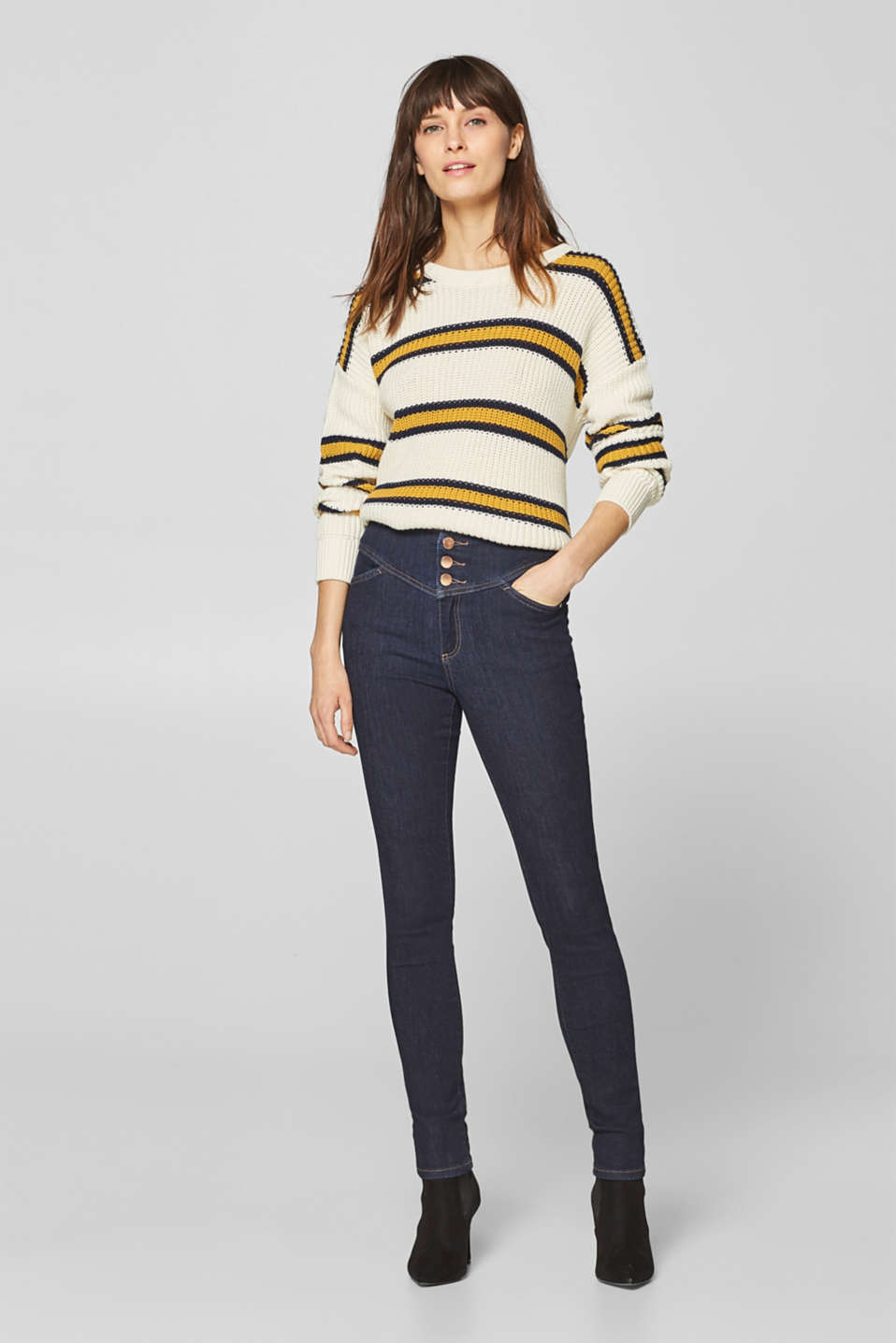 Esprit - Shaping jeans in dark denim with a deep waistband