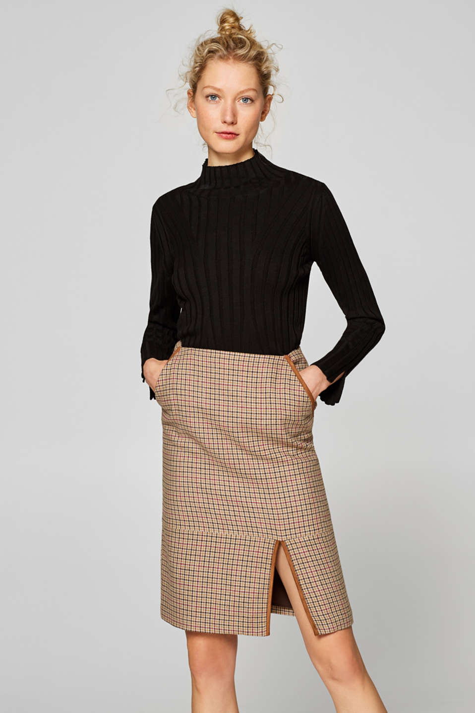 Esprit - Containing wool: check skirt with velour piping