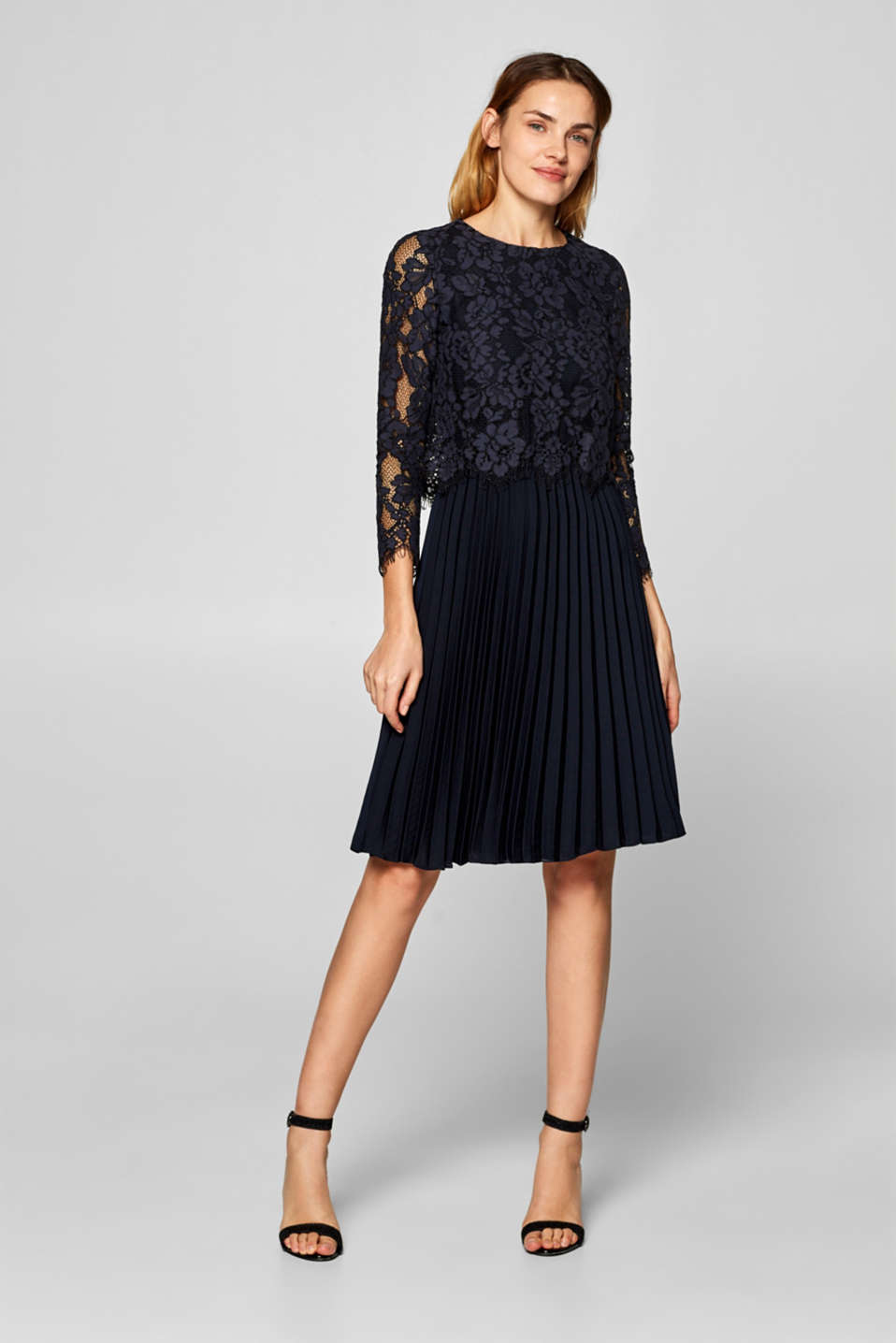 Esprit - Dress with a lace top and a pleated skirt