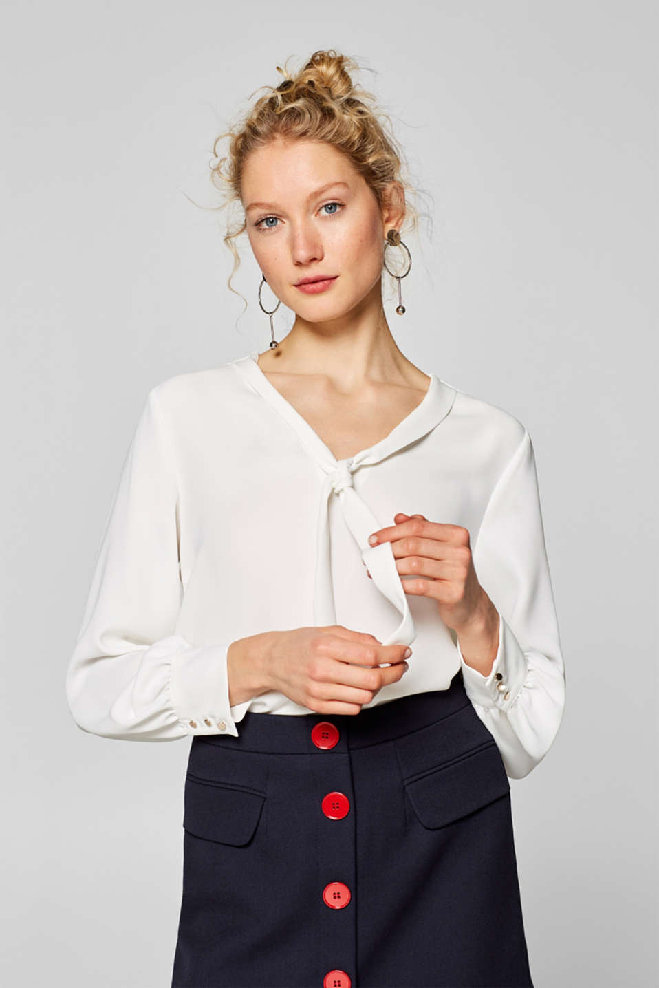 Esprit - Blouse with a pussy bow collar