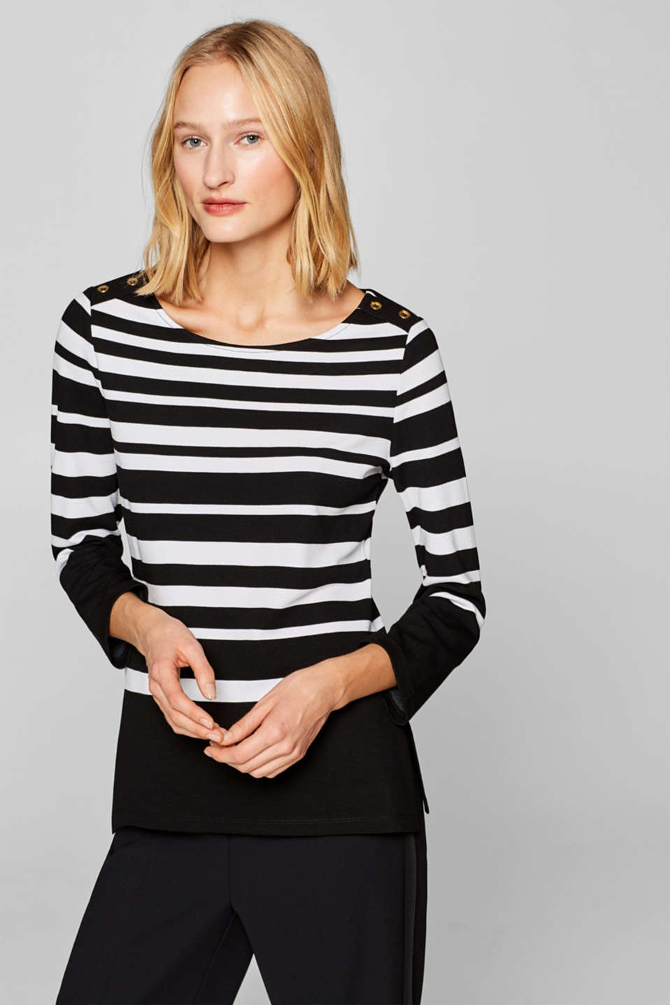Esprit - Long sleeve top with buttons