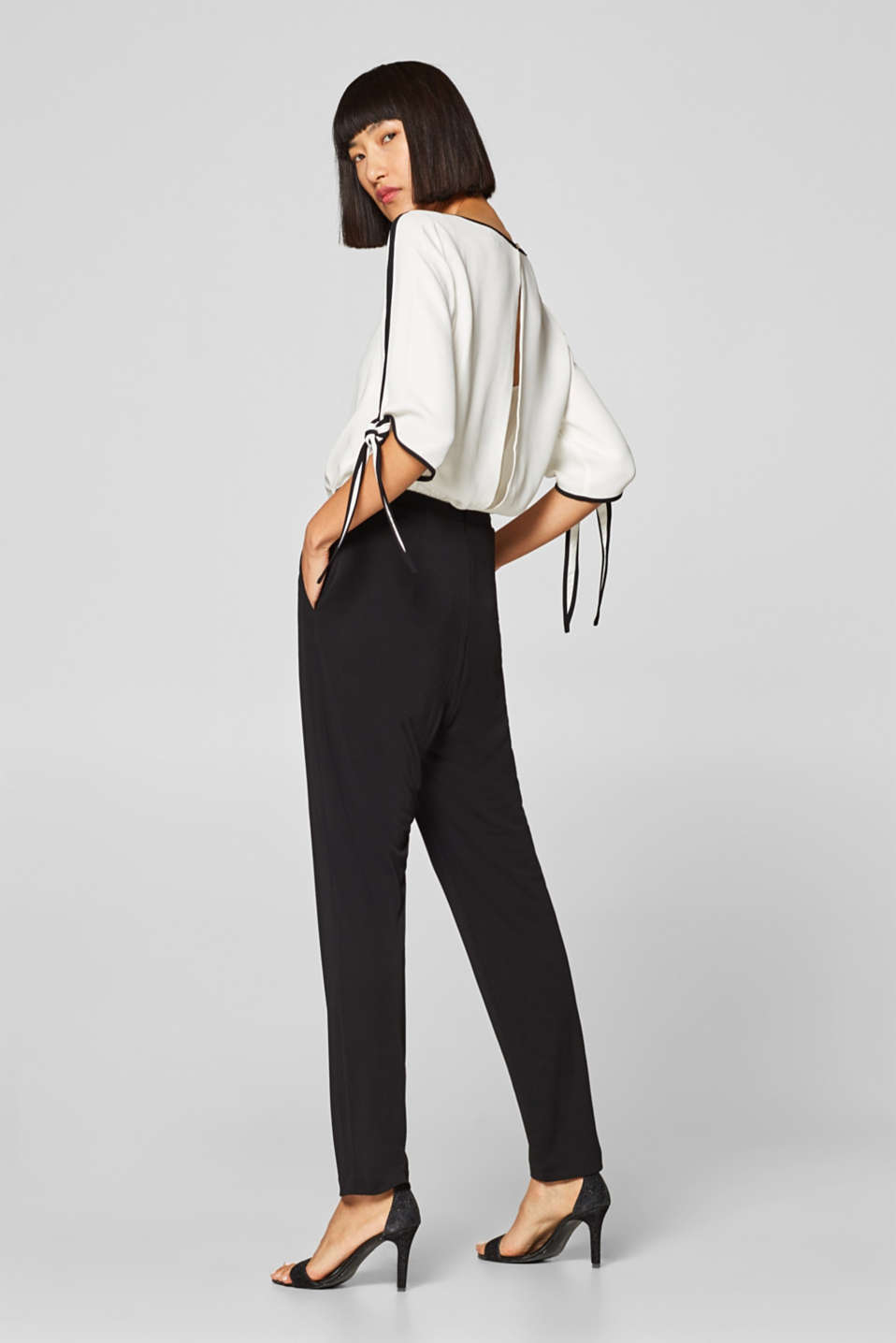 Esprit - Jumpsuit with contrasting trims