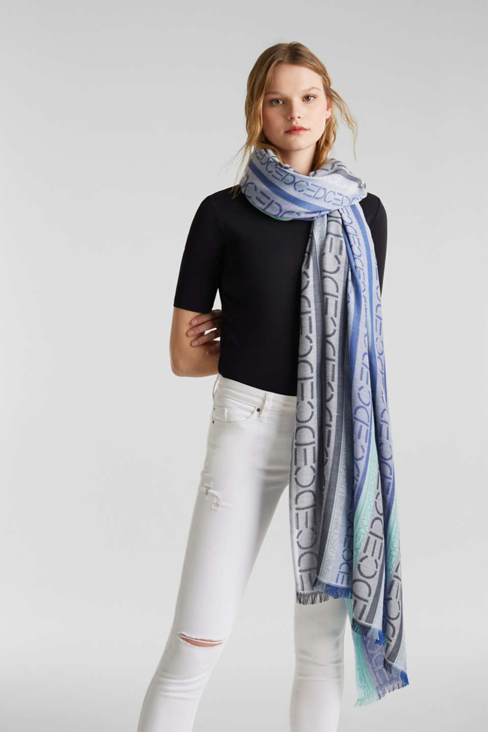 Scarf with an interwoven logo, BRIGHT BLUE, detail image number 1