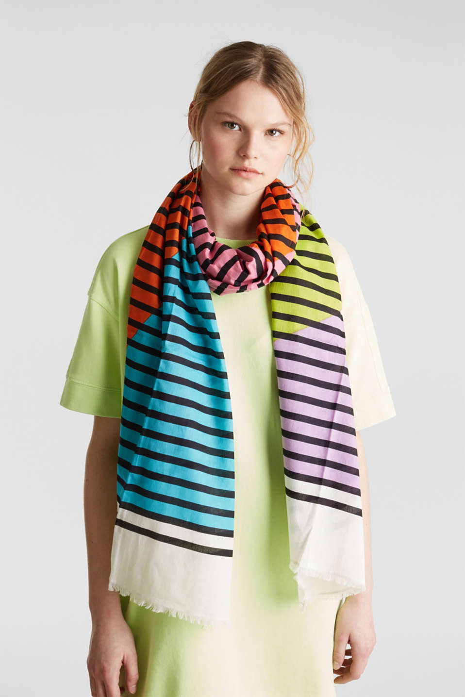 Scarf with multi-coloured stripes, 100% cotton, PINK, detail image number 1