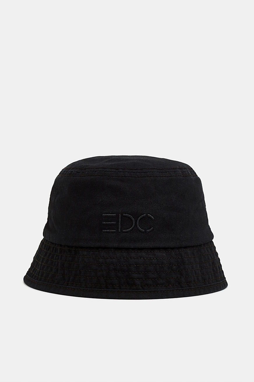 Bucket hat made of 100% cotton