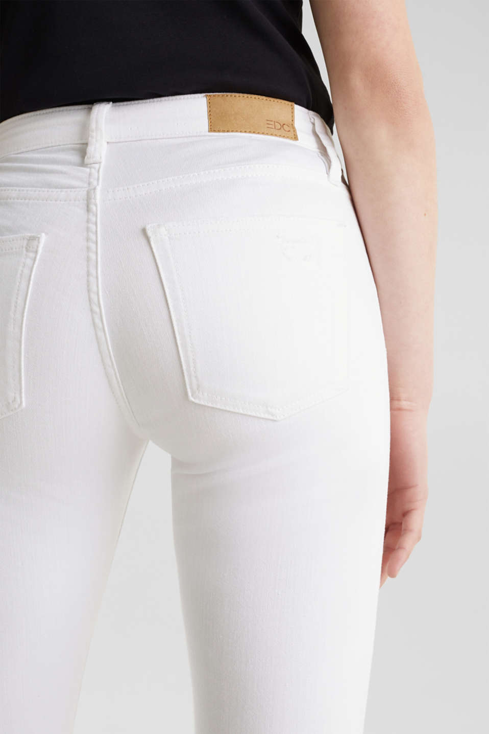 Ankle-length jeans in a distressed look, WHITE, detail image number 5