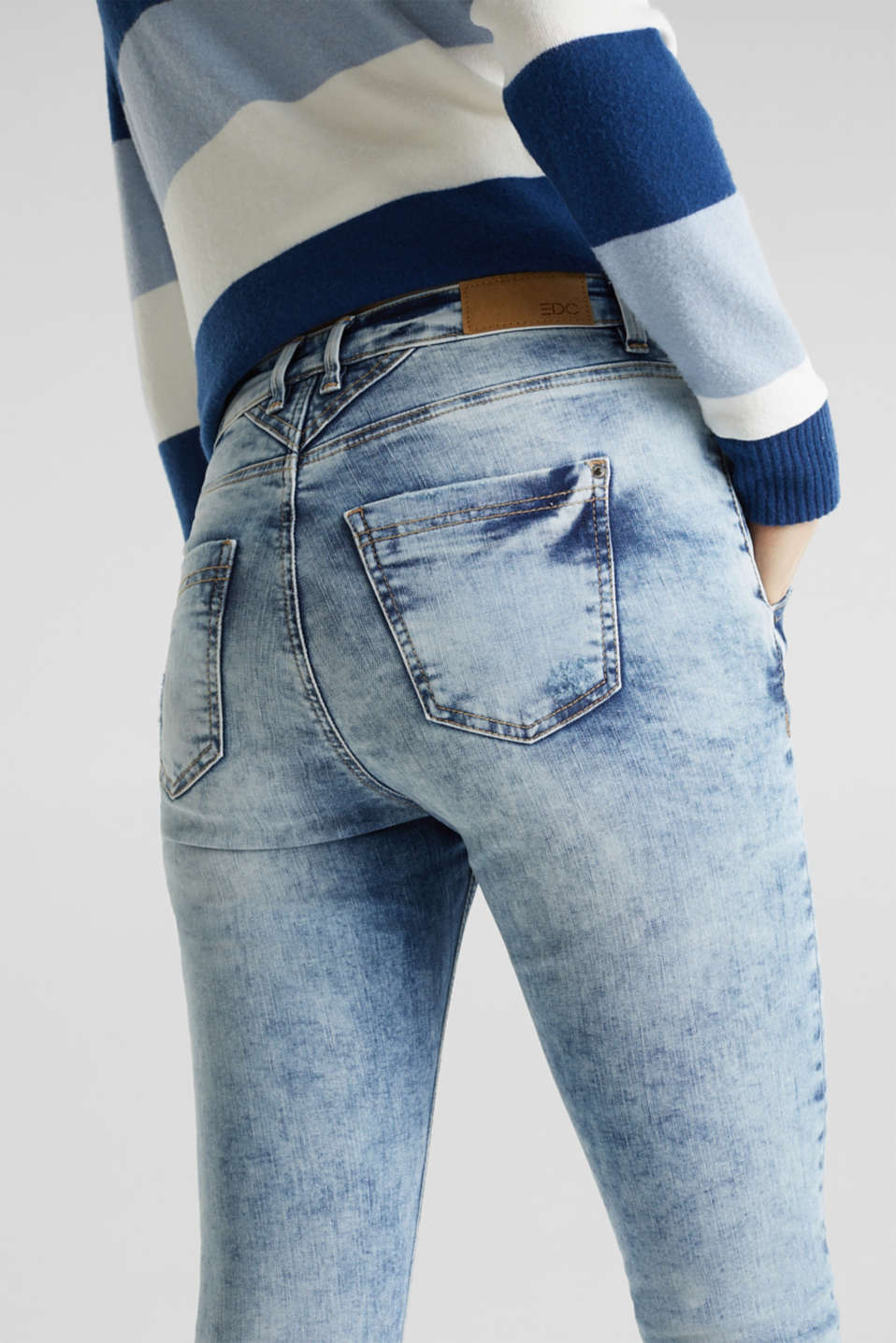 Ultra stretchy jeans with a retro wash, BLUE BLEACHED, detail image number 5
