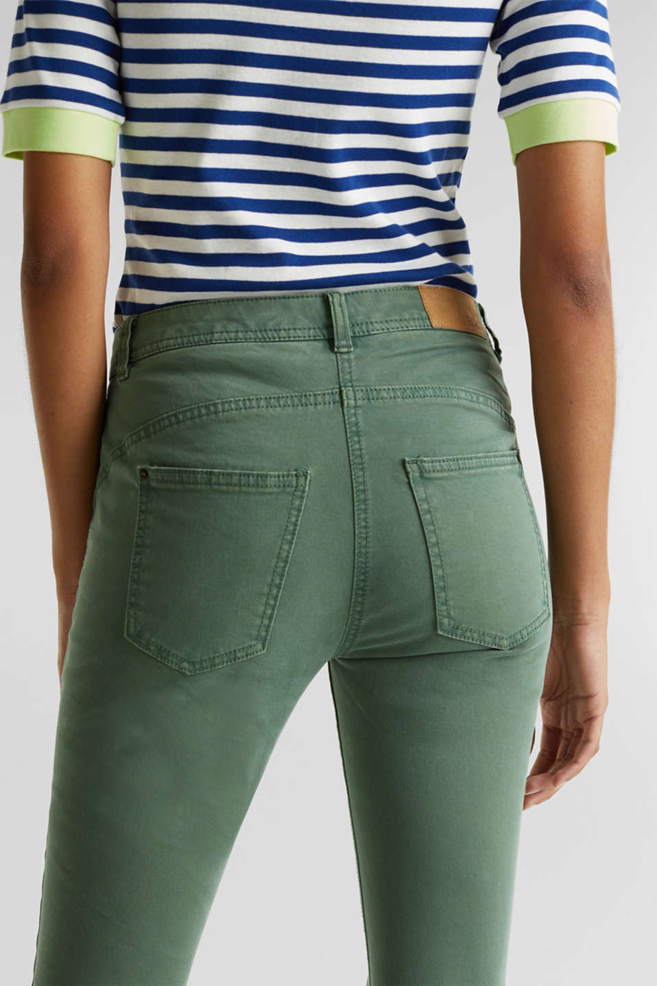 Ankle-length trousers in a garment-washed finish with organic cotton, KHAKI GREEN, detail image number 5
