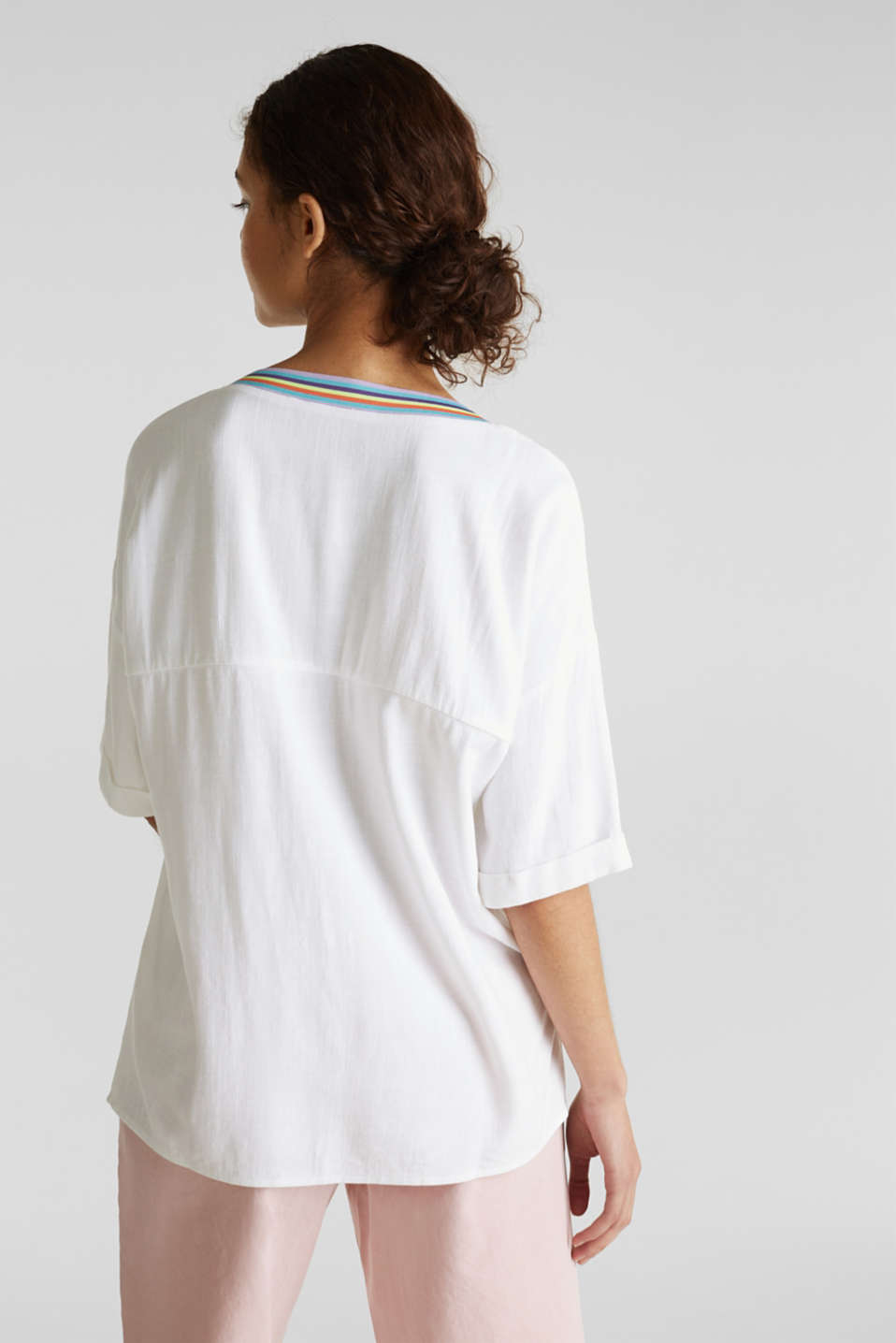 Blouse top with breast pockets, WHITE, detail image number 3