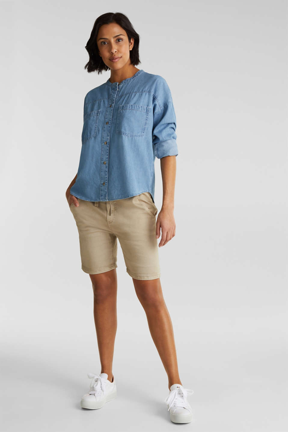 Collarless denim blouse, 100% cotton, BLUE LIGHT WASH, detail image number 1