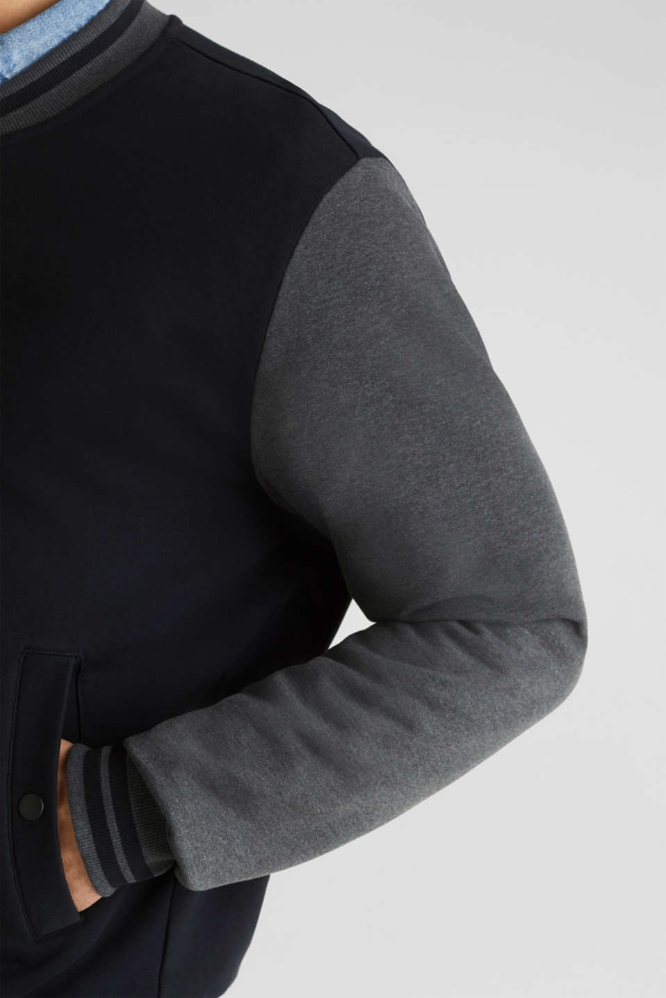 College jacket with contrasting-coloured sleeves, BLACK, detail image number 2