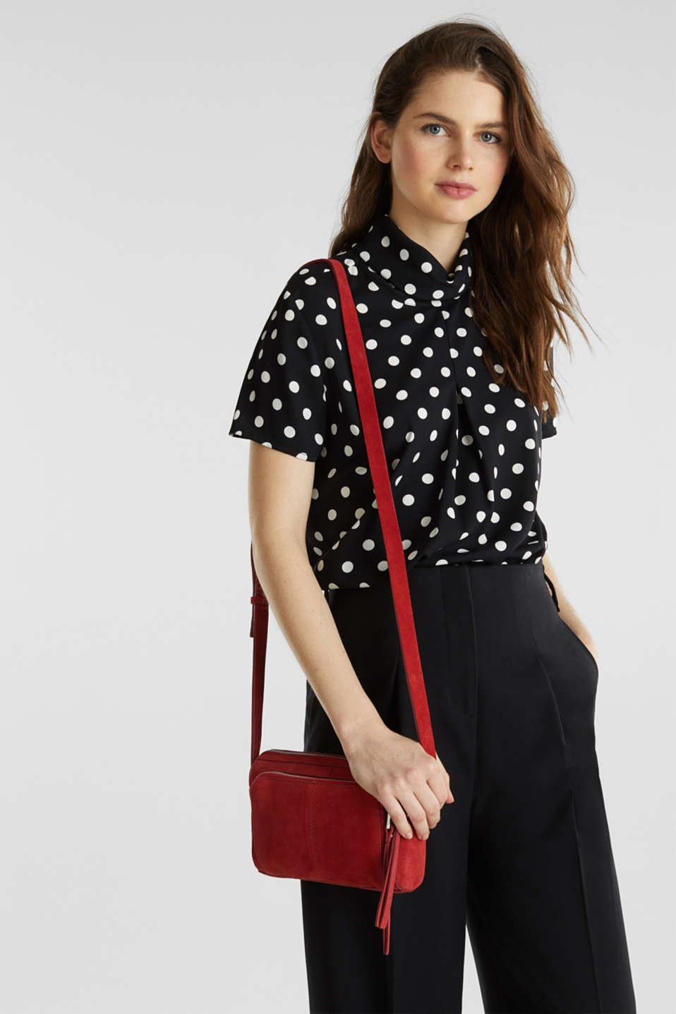 Small shoulder bag made of suede, RED, detail image number 1