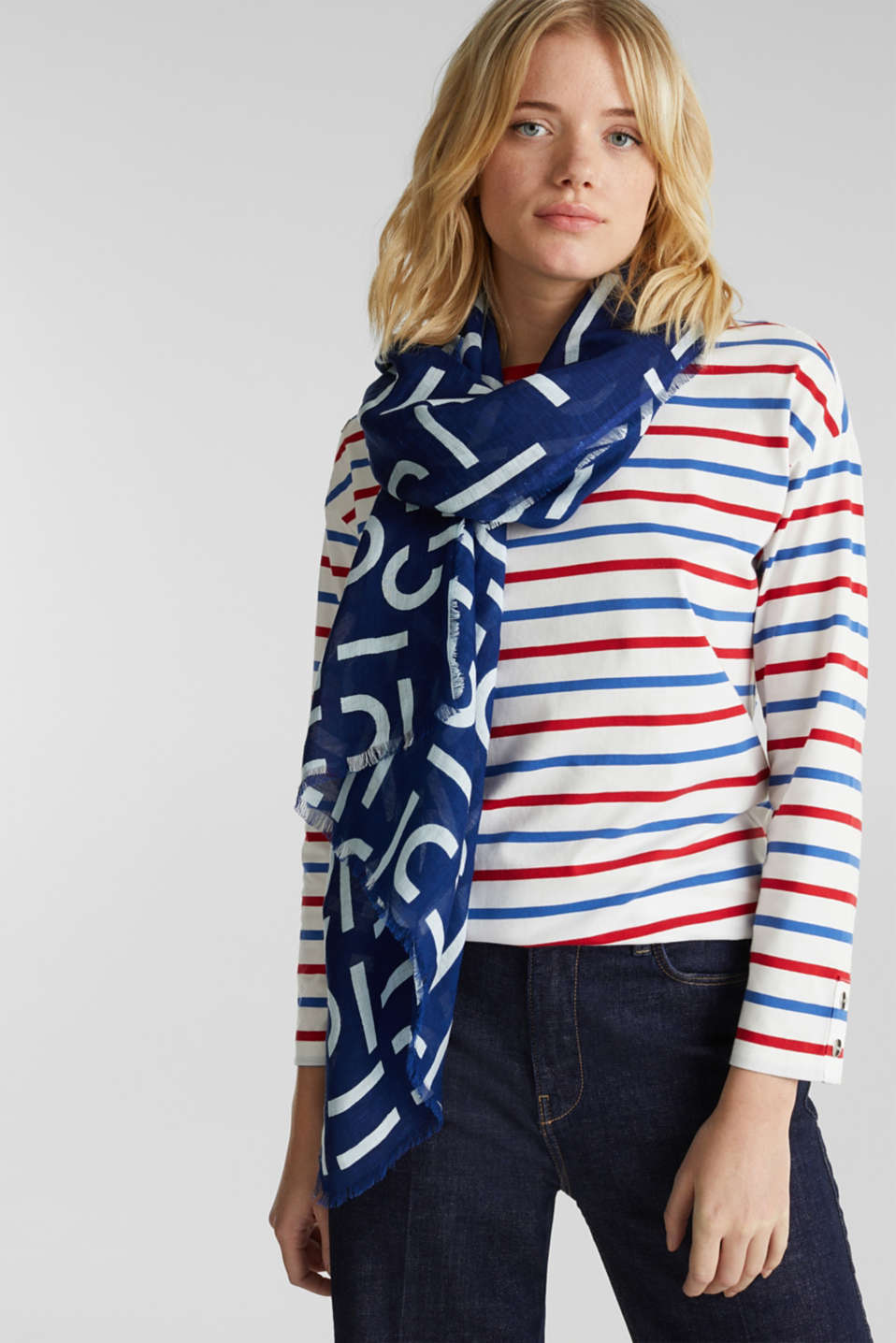 Made of blended linen: all-over logo scarf, DARK BLUE, detail image number 1