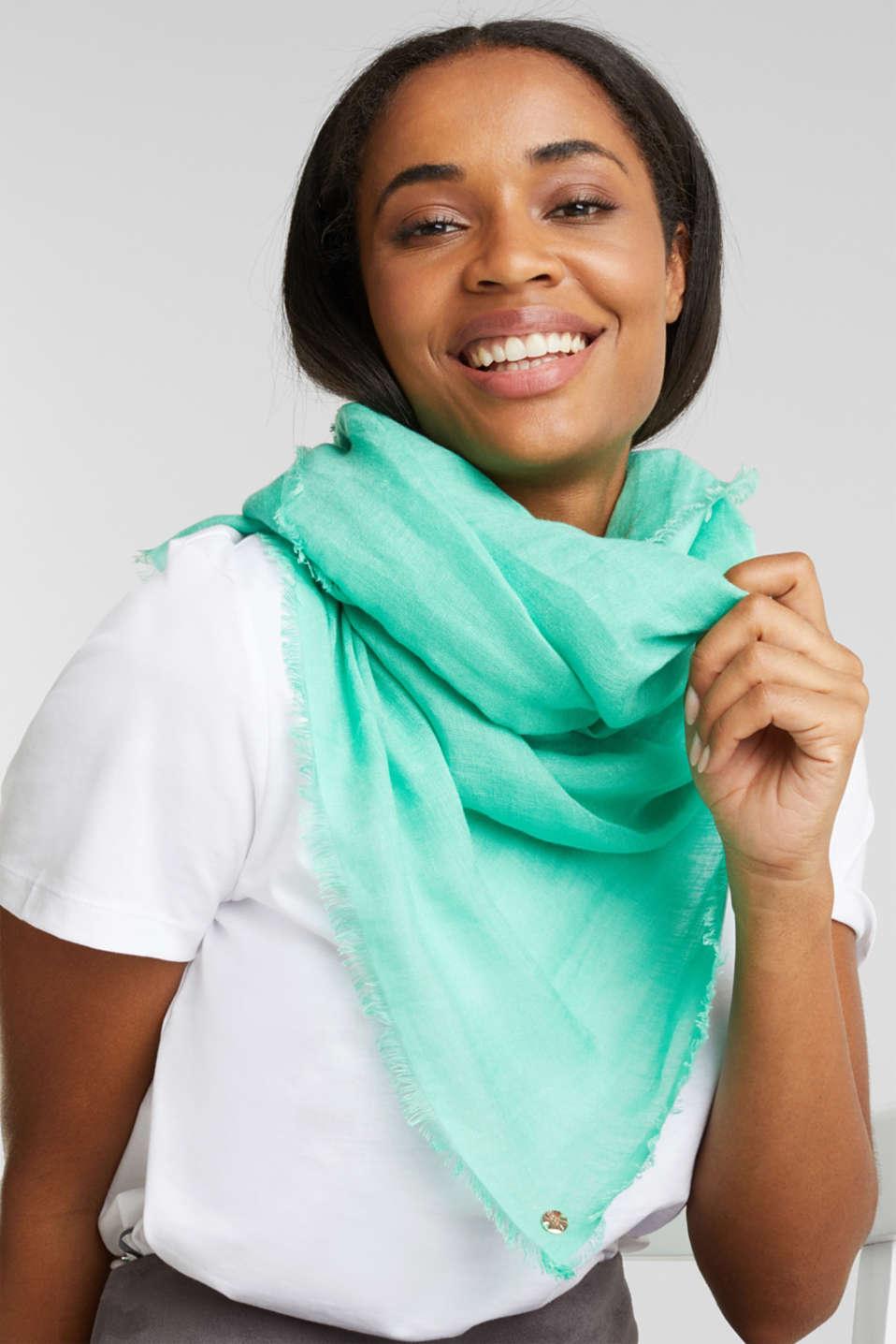 Made of blended linen: elegant, XXL scarf, GREEN, detail image number 1