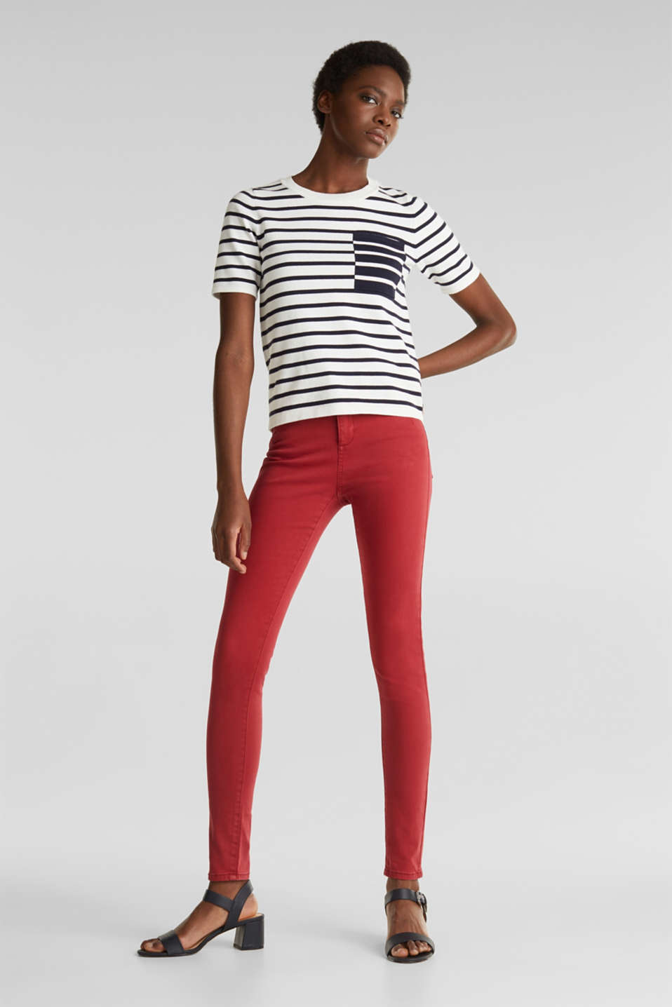 Jeans with a figure-contouring effect, DARK RED, detail image number 1