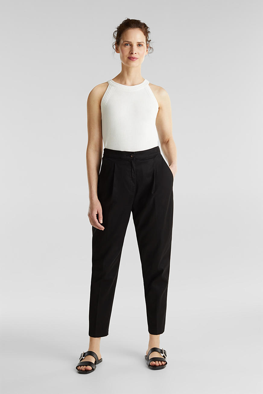 With TENCEL™: Trousers with waist pleats
