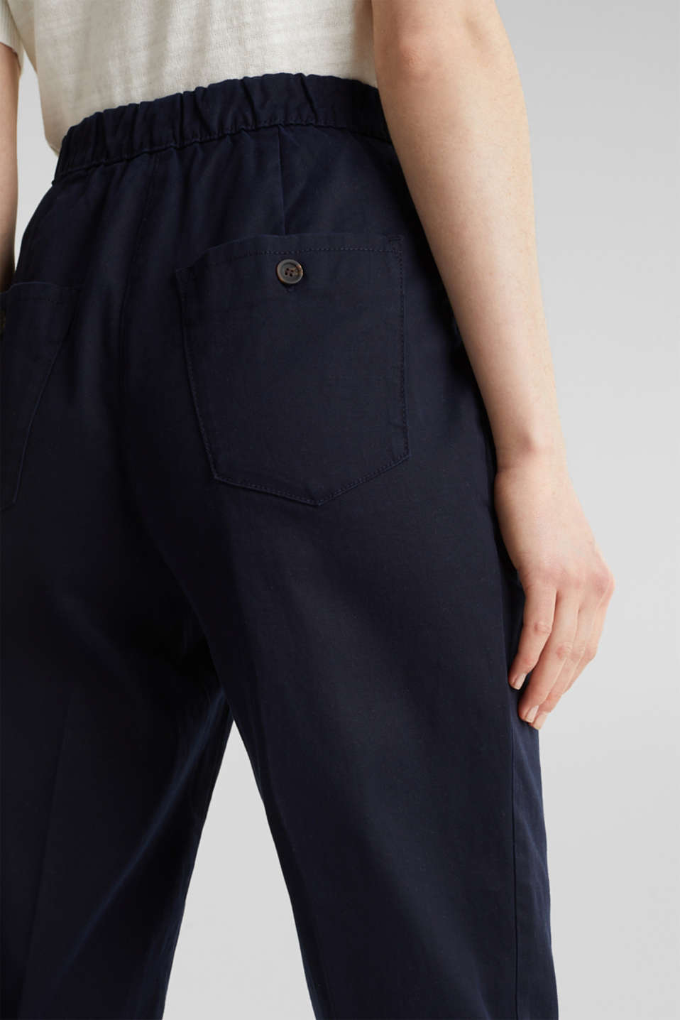 With TENCEL™: Trousers with waist pleats, NAVY, detail image number 5