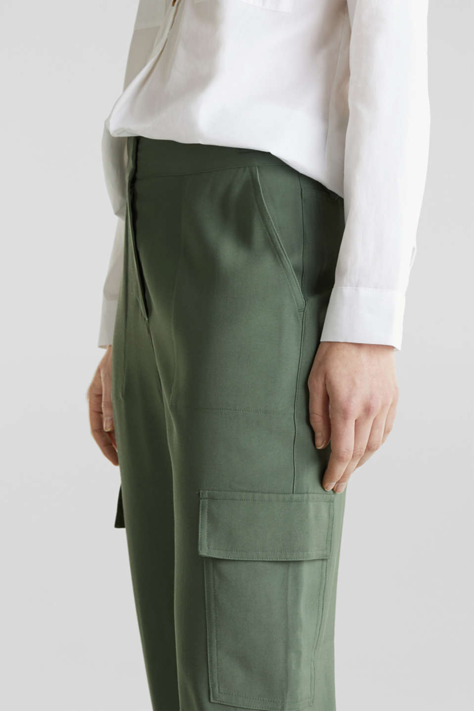 Tracksuit bottoms in a utility look, KHAKI GREEN, detail image number 2