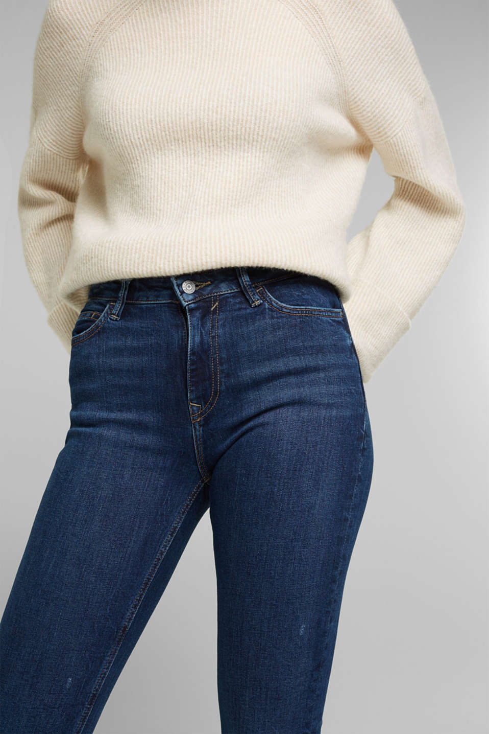 TENCEL™ jeans with organic cotton, BLUE DARK WASH, detail image number 2