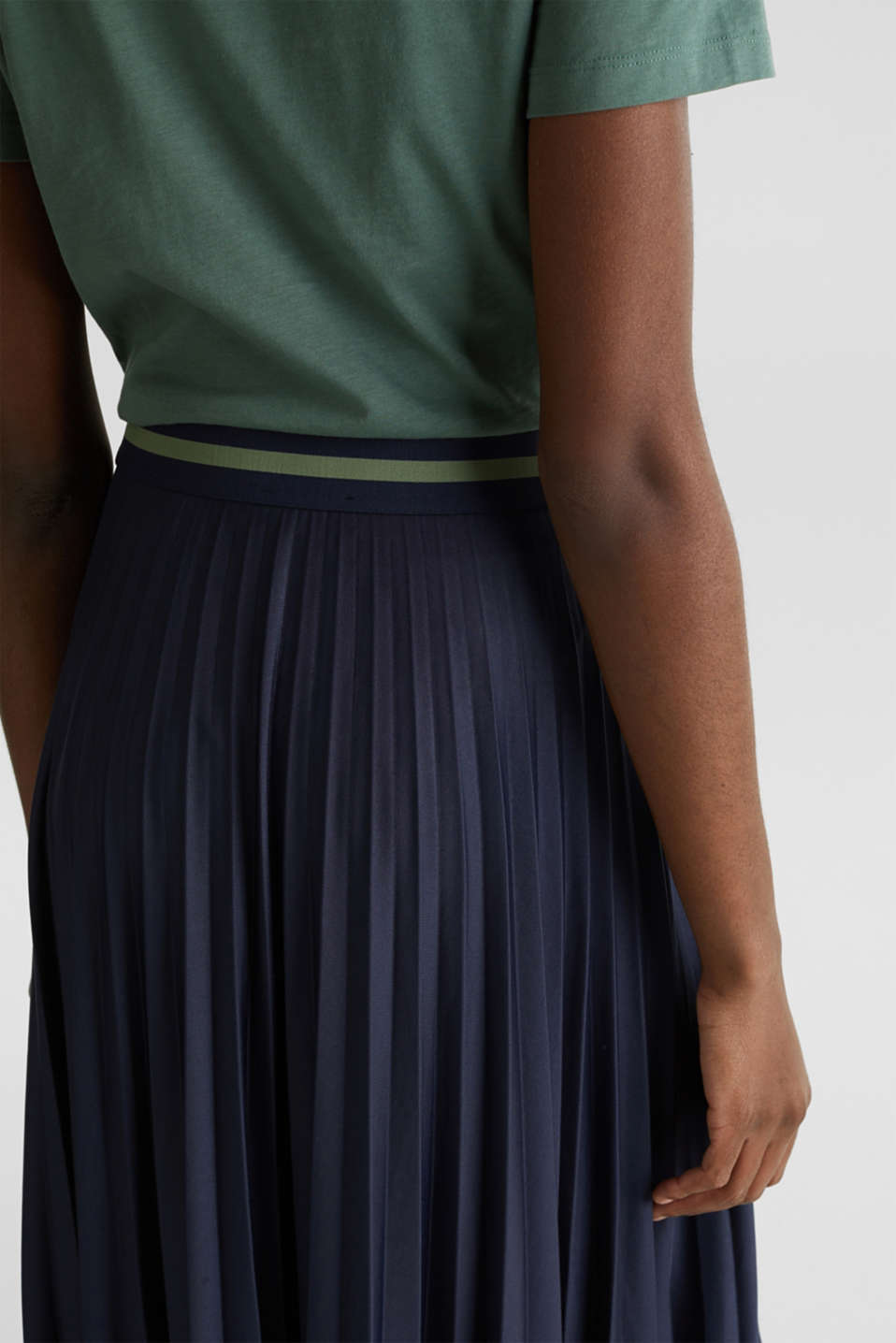 Stretch jersey skirt with accordion pleats, NAVY, detail image number 4