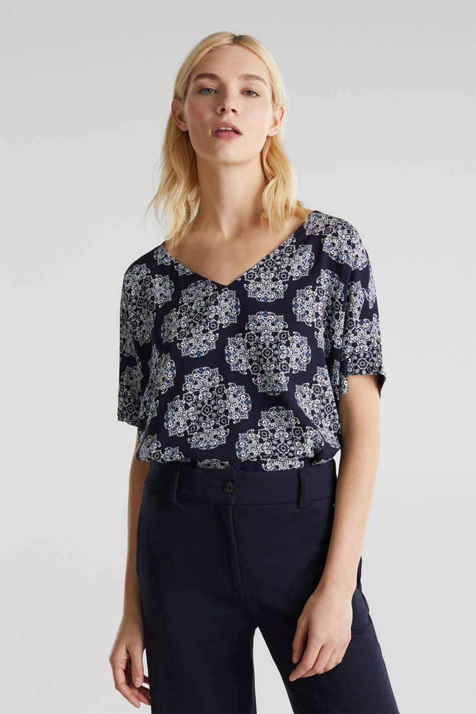 Print blouse with LENZING™ ECOVERO™, NAVY 4, detail image number 0