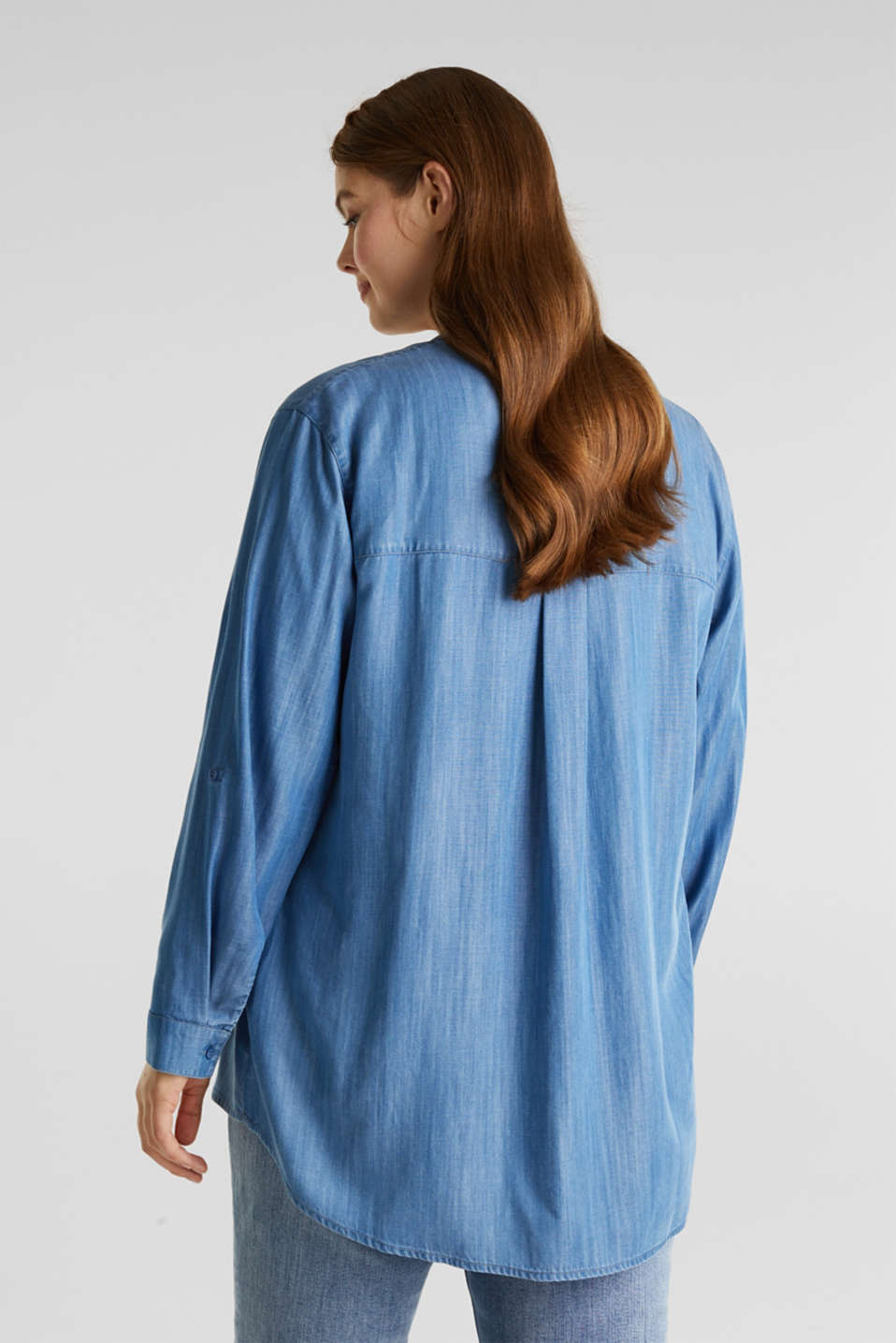 CURVY: Denim-look Henley blouse made of TENCEL™, BLUE LIGHT WASH, detail image number 3