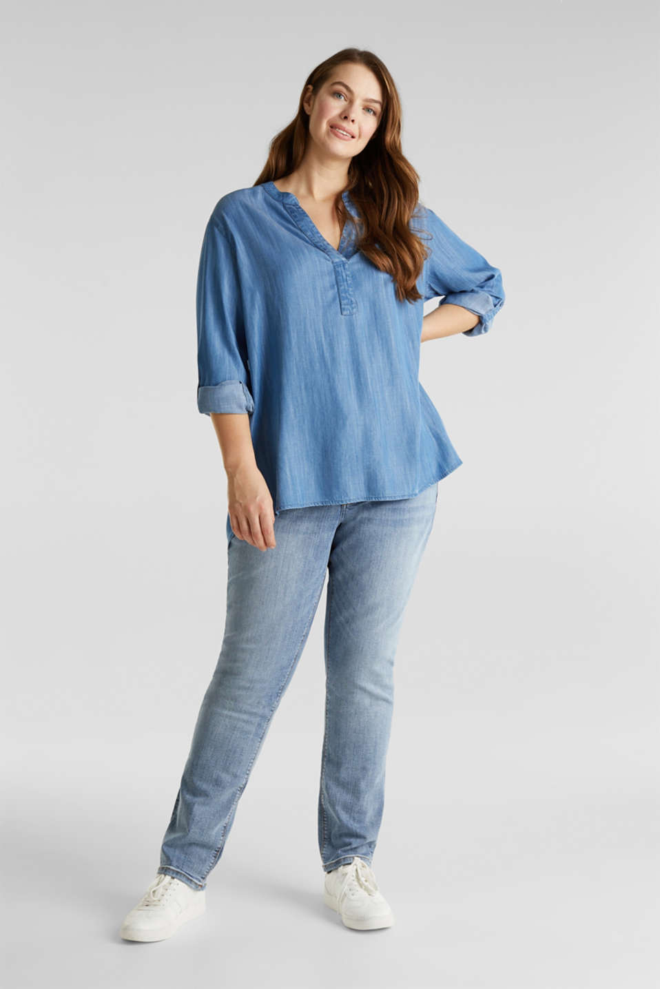 CURVY: Denim-look Henley blouse made of TENCEL™, BLUE LIGHT WASH, detail image number 1