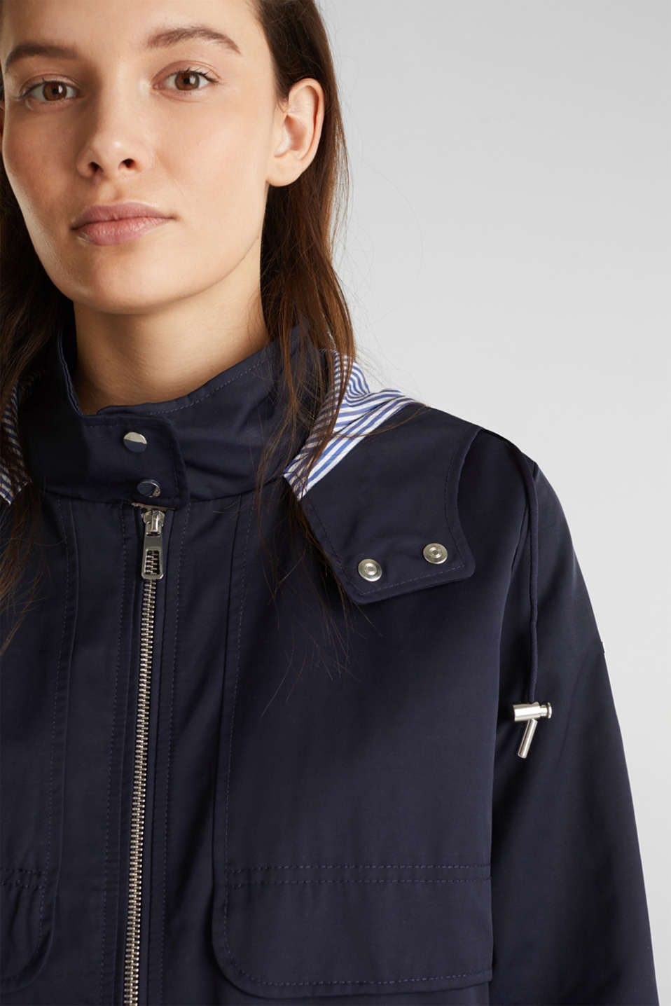 Short parka with a hood, NAVY, detail image number 7
