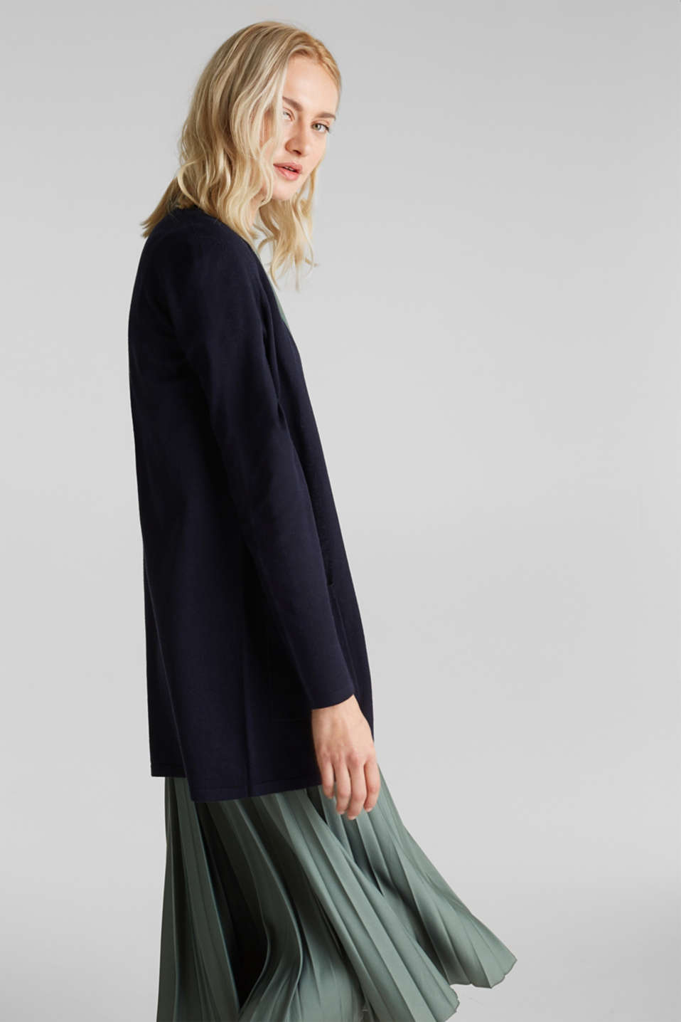 With linen: open cardigan with open-work pattern details, NAVY, detail image number 4