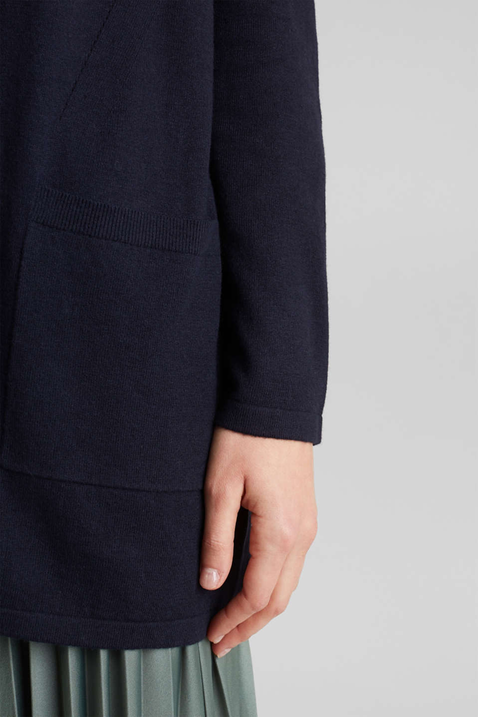 With linen: open cardigan with open-work pattern details, NAVY, detail image number 5