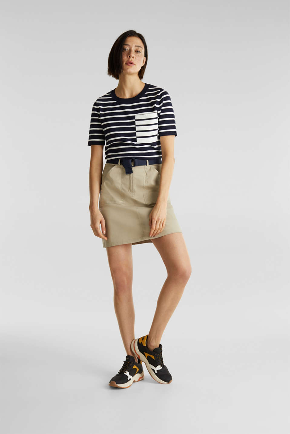 Short-sleeved jumper with a breast pocket, NAVY, detail image number 1