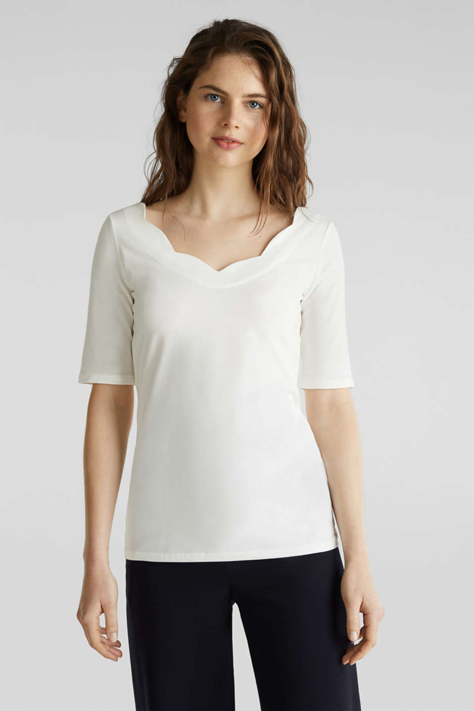 Esprit - Stretch T-shirt with a scalloped trim