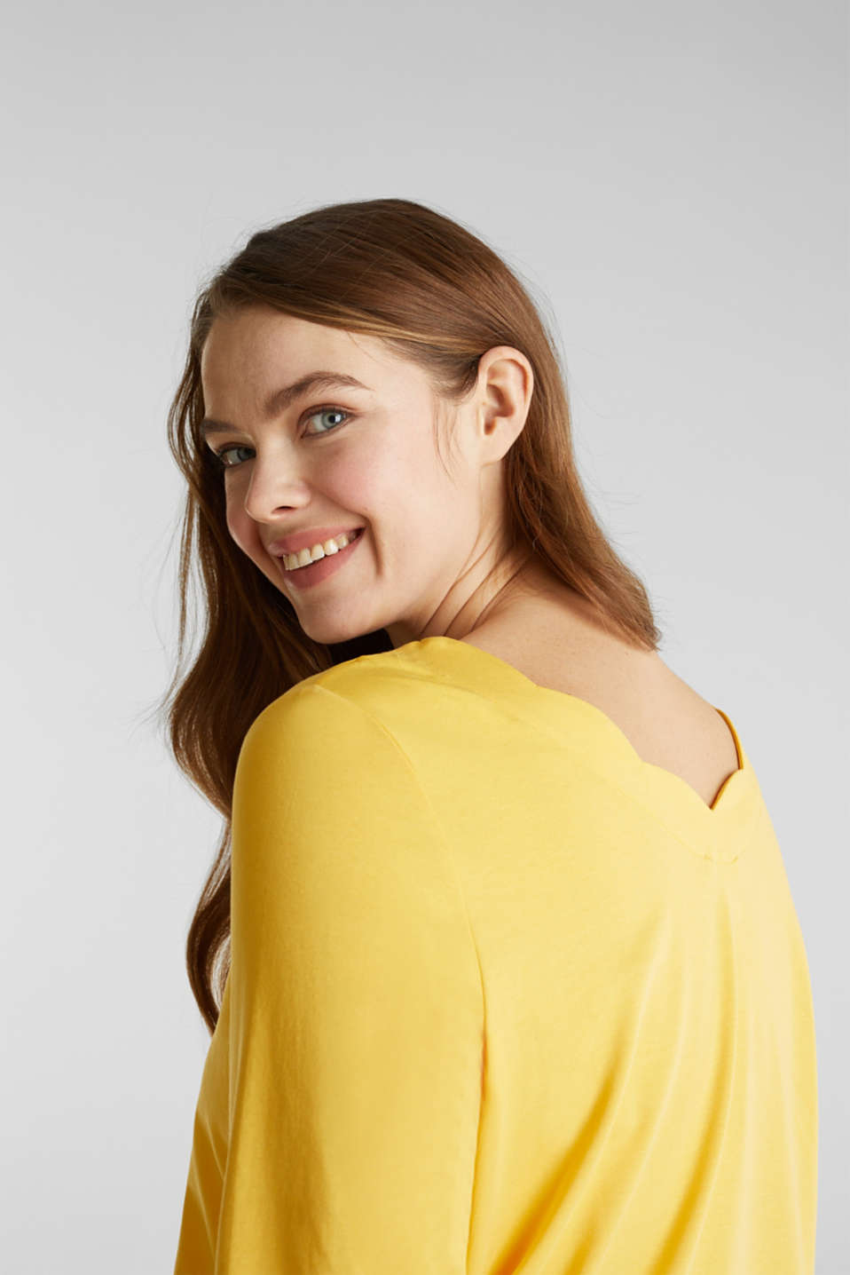 CURVY top with wavy details, YELLOW 3, detail image number 2