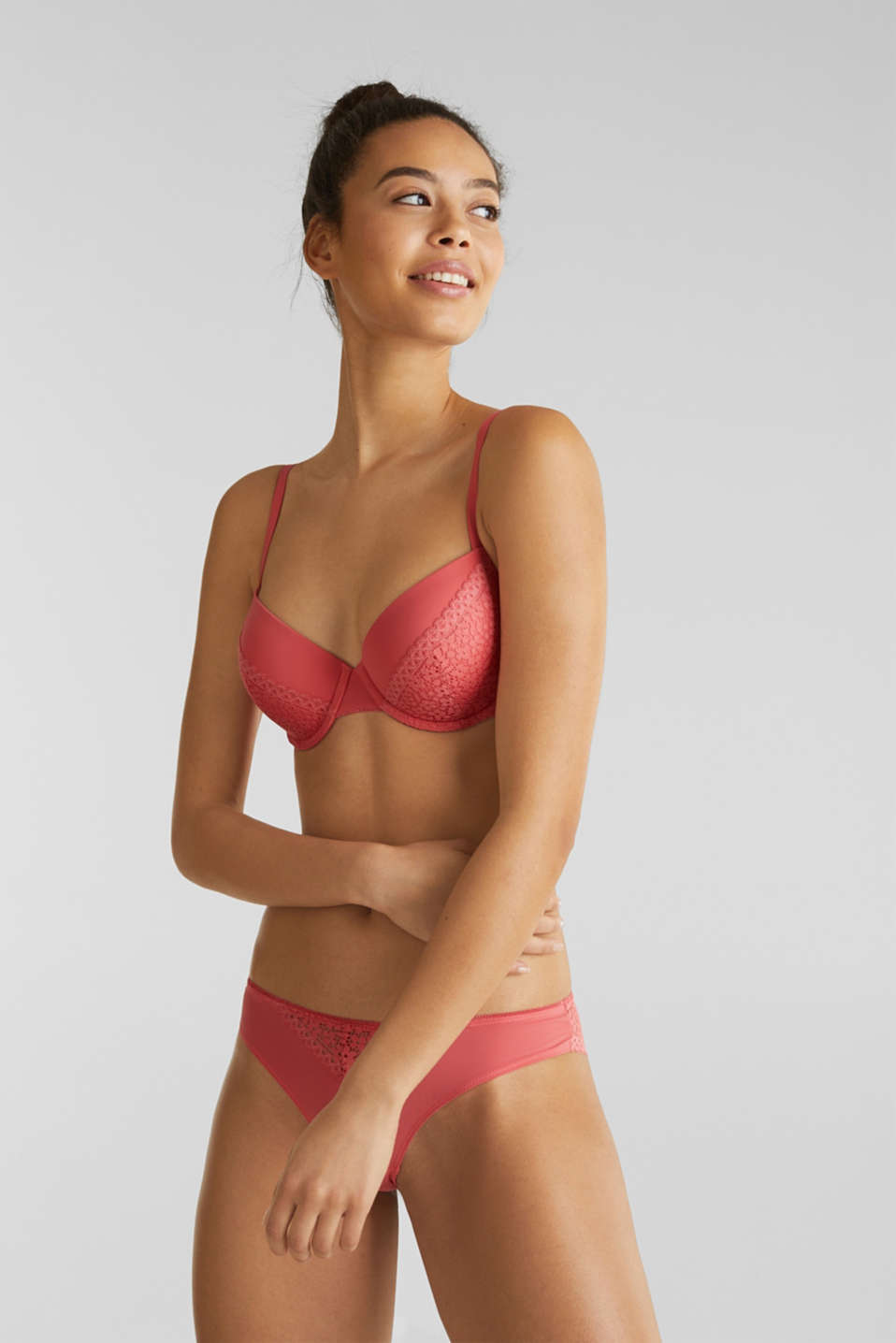 Padded underwire bra with crocheted lace, CORAL RED, detail image number 0